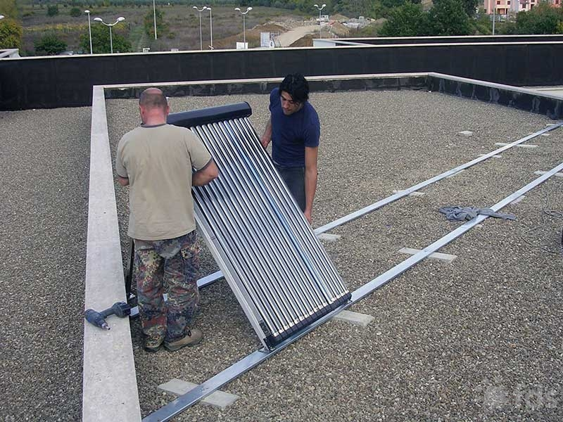 Grande solare termico / Large scale solar thermal installations